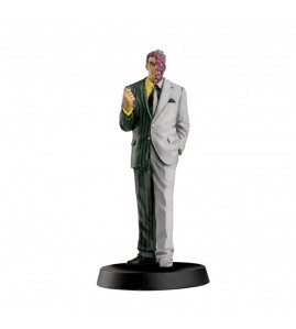DC issue 19 Two-face figurine magazine